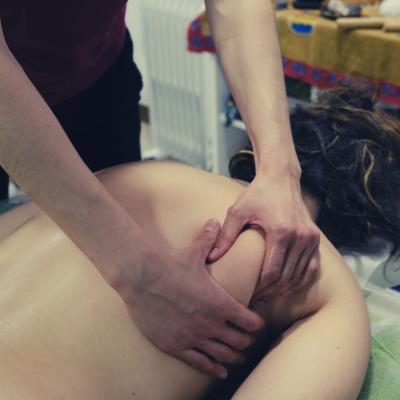 Denise Vuillermoz massage 1 - 400x400
